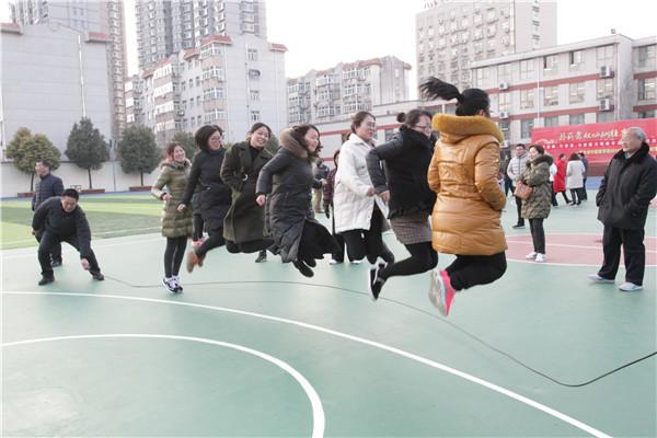 跳大绳比赛