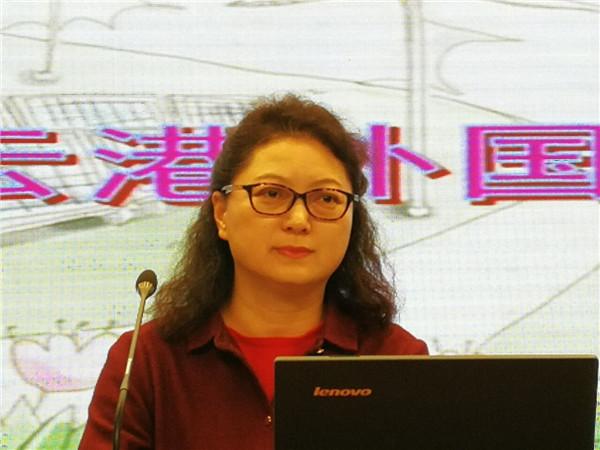 张雪梅副校长为七年级学生开设心理讲座