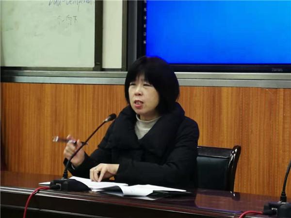赵莉蓉校长作关于英语课外阅读的微讲座